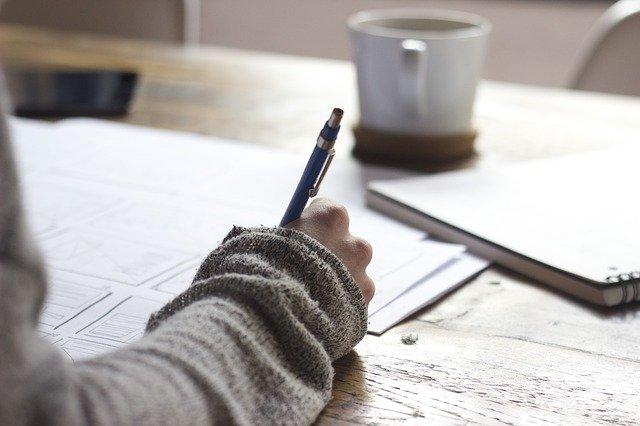 Skriv så ofte du kan. Et kvarter er nok hver gang.